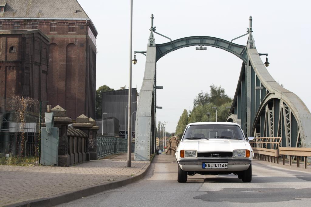 Ford Capri GL 1,6 auf Brücke Hafenstraße in Krefeld